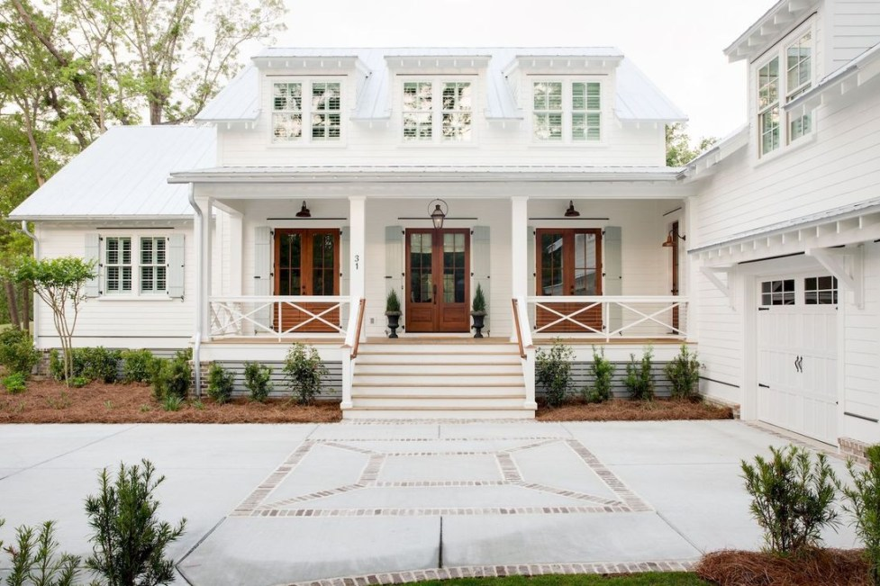 10 Seriously Inspiring Farmhouse Exteriors | The Unlikely ... on ranch home interior design, metal roof farmhouse porch design, exterior farmhouse doors, exterior farmhouse windows, exterior farmhouse decor, exterior farmhouse retail,