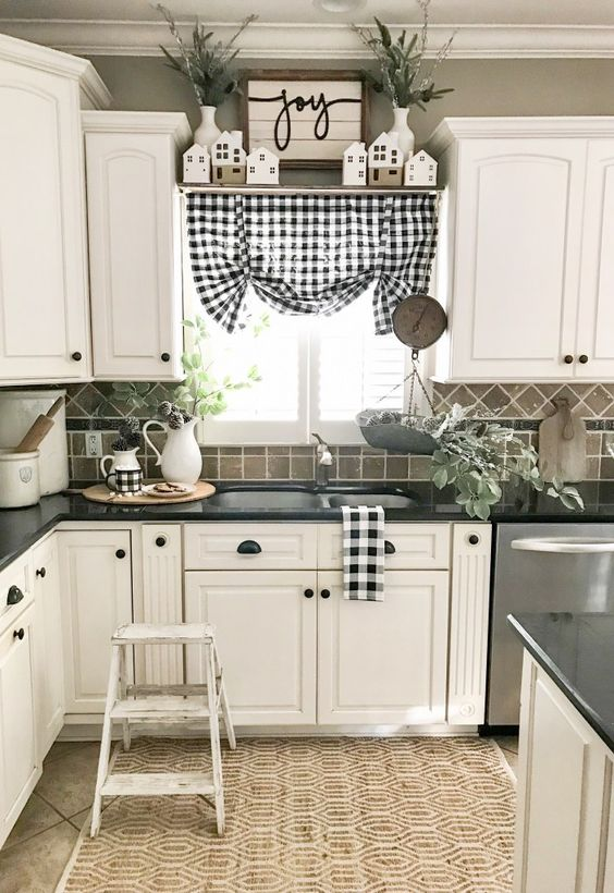 15 Kitchen Decor Ideas With Farmhouse Style | The Unlikely ...